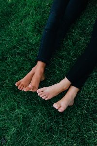 feet-914737_1920